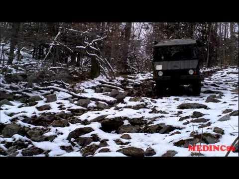 Pinzgauer Tours 4X4 Pinz Tire Up.wmv