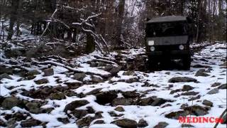 Pinzgauer Tours 4X4 Pinz Tire Up.wmv