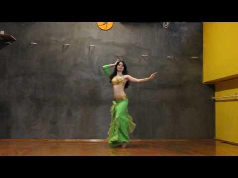 Lucila bailando Shik Shak Shok thumbnail