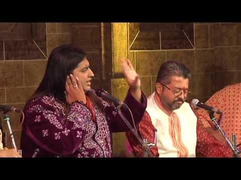 """Bharat Balvalli singing """"Jai jai Ram Krishna Hari"""" a gajar on Aashadhi Ekadashi."""