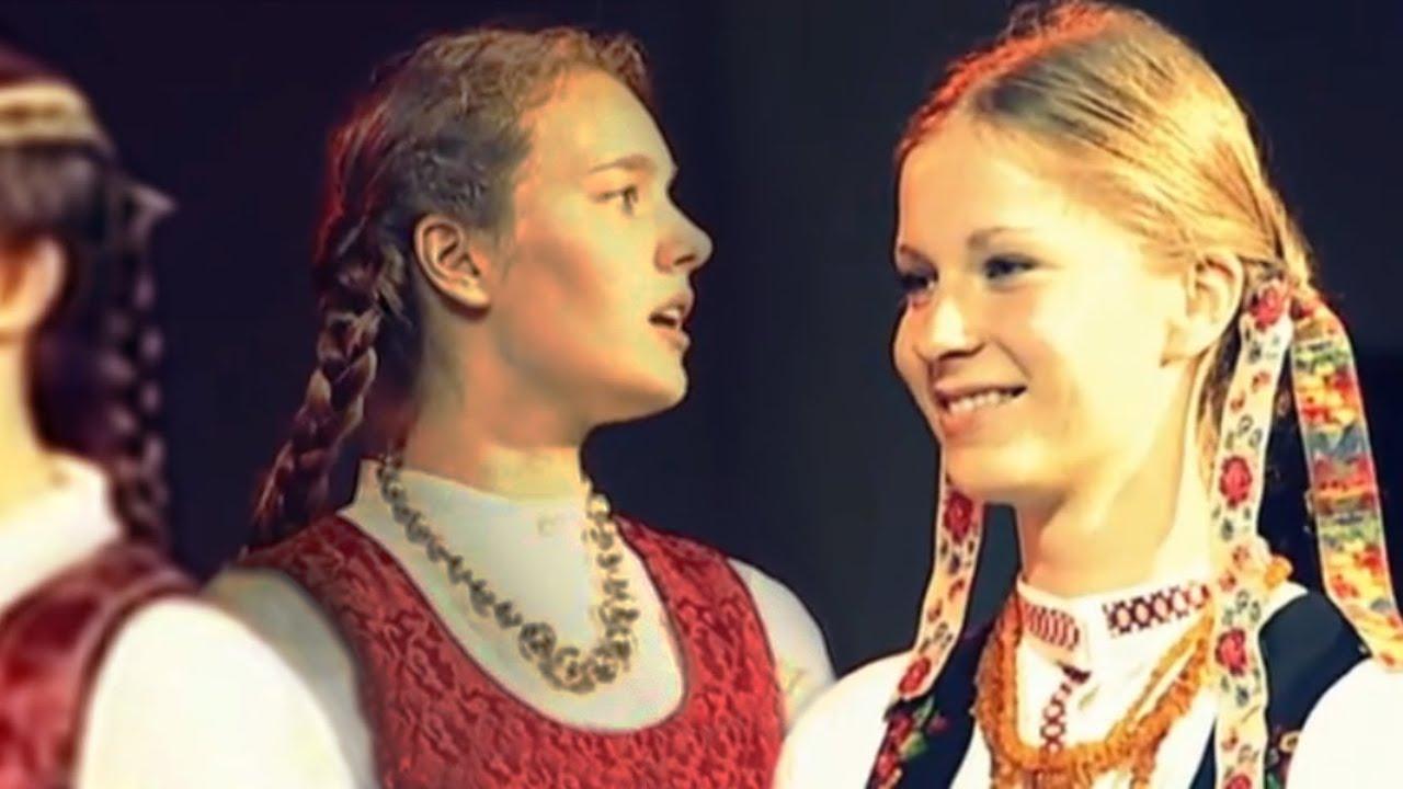 Joninių sutartinė (Lithuanian Midsummer folk song) Kūkal rože ratilio #1