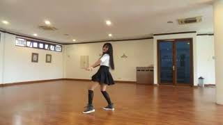 HOT Vania dance pakai rok mini