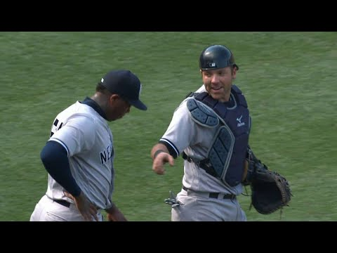 NYY@BOS: Chapman retires Betts to record the save