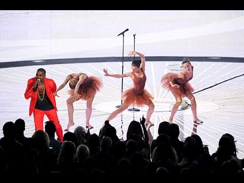 The 2010 MTV VMAS (RIHANNA, CIARA, GAGA, KANYE WEST)