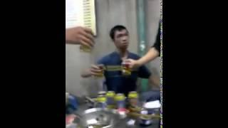 Clip uông bia đá đạo nhất Việt Nam