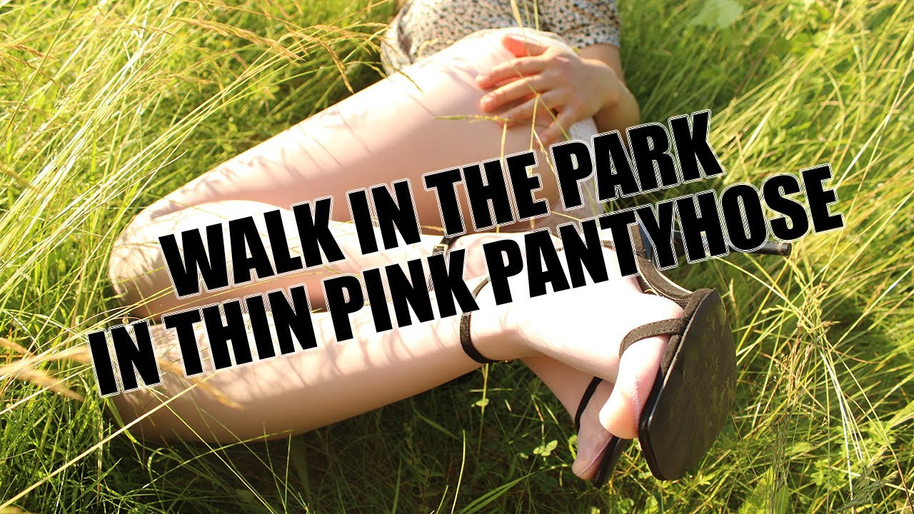 Walk in the park in thin pink pantyhose // Прогулка в парке в тонких розовых колготках