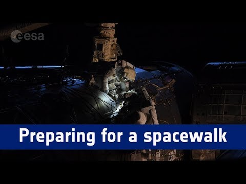 Horizons mission – preparing for a spacewalk