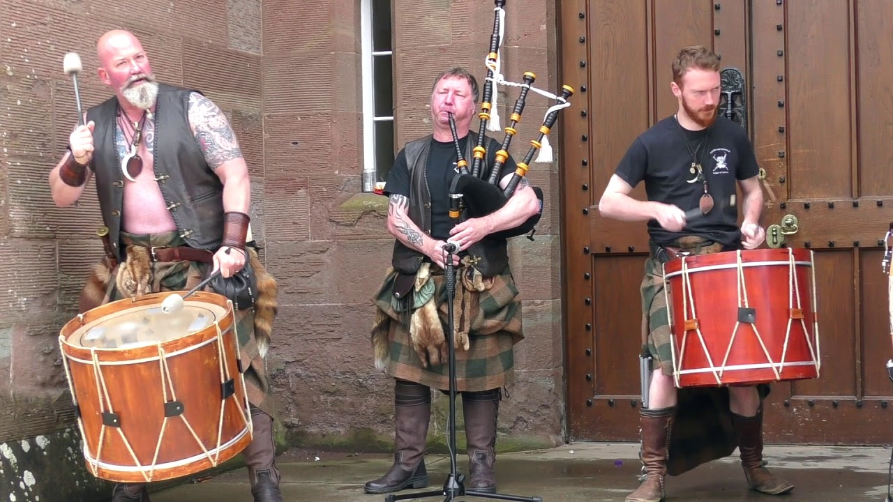 """Download Great Scottish tribal pipes & drums from Clann an Drumma with """"Blessin' of the rain"""" at Scone Palace"""