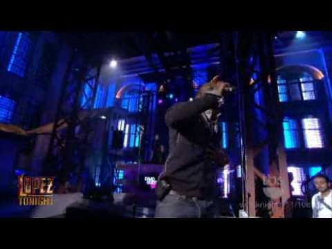 "Download Lopez Tonight - "" Sexy Bitch "" - David Guetta Feat. Akon - Live HD"
