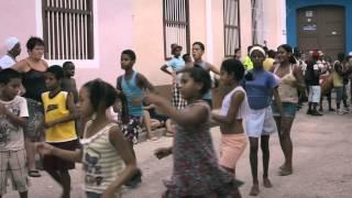 Gambar cover Enchanting Cuba