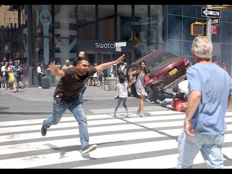 BREAKING TIME SQUARE Car Plows into Crowd May 18 2017 New York News