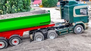RC truck stuck ACTION! Nice detailed R/C trucks in trouble at RC-Glashaus!