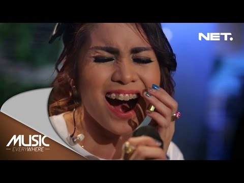 Geisha - Biar Jadi Kenangan Reza Artamevia Cover (Live at Music Everywhere) *