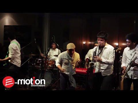 Tompi - Selalu Denganmu (Live @RW Lounge Jakarta)