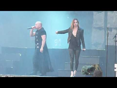 Disturbed with Lzzy Hale @ Download Festival UK 2016