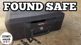 FOUND A SAFE I Bought Abandoned Storage Unit Locker / Opening Mystery Boxes Storage Wars Auction
