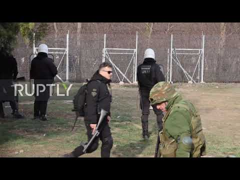 Greece: Tensions rise at Turkish border as migrants seek to enter Europe