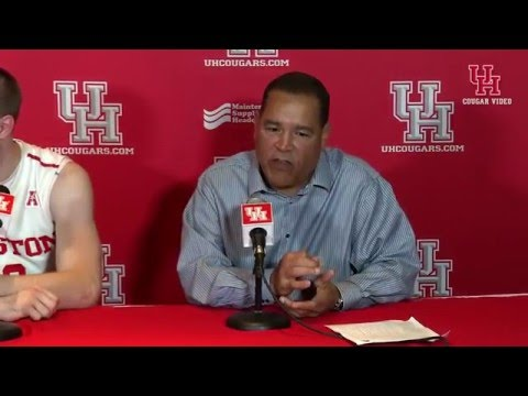 Houston Coach Kelvin Sampson and a Tootsie Roll
