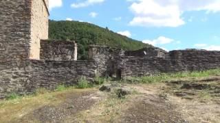 Les ruines du château fort de Ech sur Sûre au GD de LUXEMBOURG