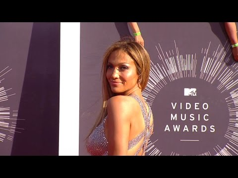 Jennifer Lopez Teases 'Booty' Remix Music Video With Iggy Azalea | Mashable