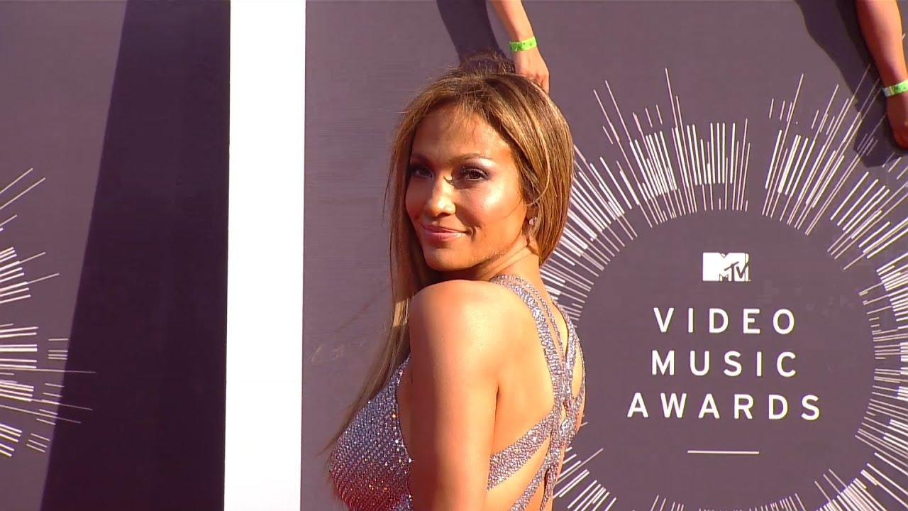 Jennifer lopez teases booty remix music video with iggy azalea