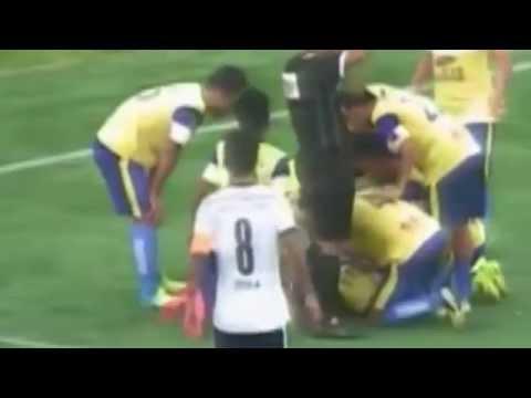【悲報】サッカー選手がゴールを喜び宙返りするも失敗。頭を強打し命を落とす。