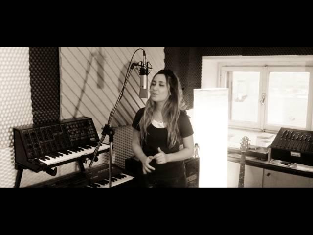 Adesso tu - Sara Cruz (Eros Ramazzotti Acoustic Cover - Sanremo 1986)