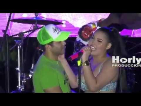 Le Canta A Su Novio Entregame Tu Amor En Pleno Concierto   Ana Del Castillo