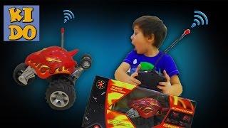 Трюковая машинка на радиоуправлении  REGALIA распаковываем супер машинка Stunt Cars