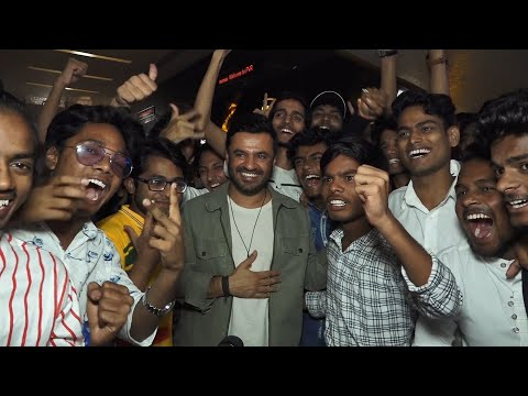Super 30 | Celebrities praise Hrithik's biopic on Anand Kumar