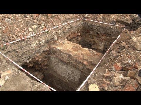 Сюжет ТСН24: В Туле под землей обнаружили комнату  XVIII века