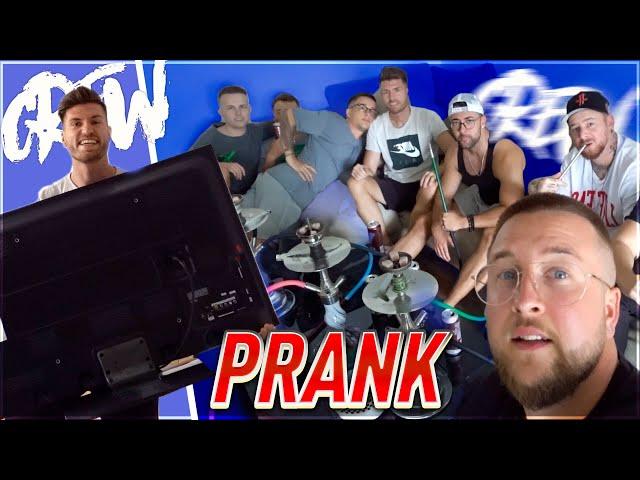 Erster PRANK im CREW-HAUS 😂🔥 Es geht wieder LOS !! Gamescom 2019 Vlog #1