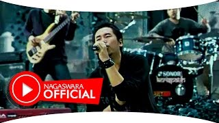 Video Kerispatih - Mengenangmu (Official Music Video NAGASWARA) #music download MP3, 3GP, MP4, WEBM, AVI, FLV Desember 2017
