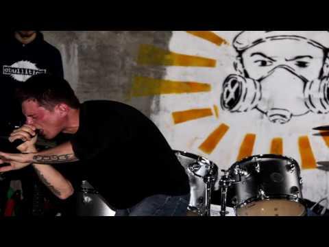 Music video missis Garrison - poison
