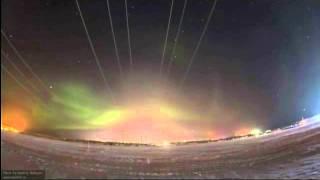 Норильчанин снял завораживающее видео северного сияния(Житель Норильска месяц ежедневно снимал полярное сияние. А потом смонтировал ролик, который поражает красо..., 2016-04-13T13:30:50.000Z)