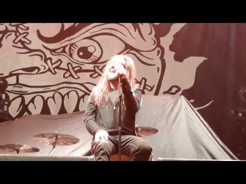 Korn 'Alone I Break' unplugged performance VIP London Wembley Dec 2016