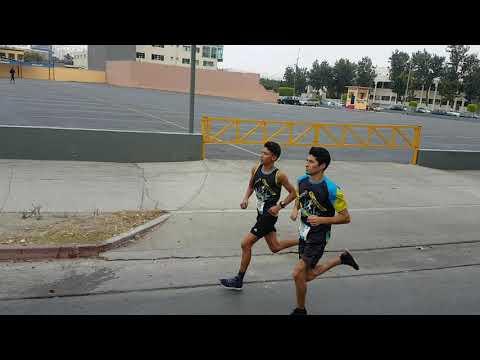 Migrantes 5K 2017 desde Tijuana para todo el mundo   hup hup!! Venadito Ruiz vs Salvador Rodriguez J