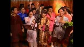 Video Nyanyian Ramai - Warna Warni Aidilftri (Official Music Video) download MP3, 3GP, MP4, WEBM, AVI, FLV Juli 2018