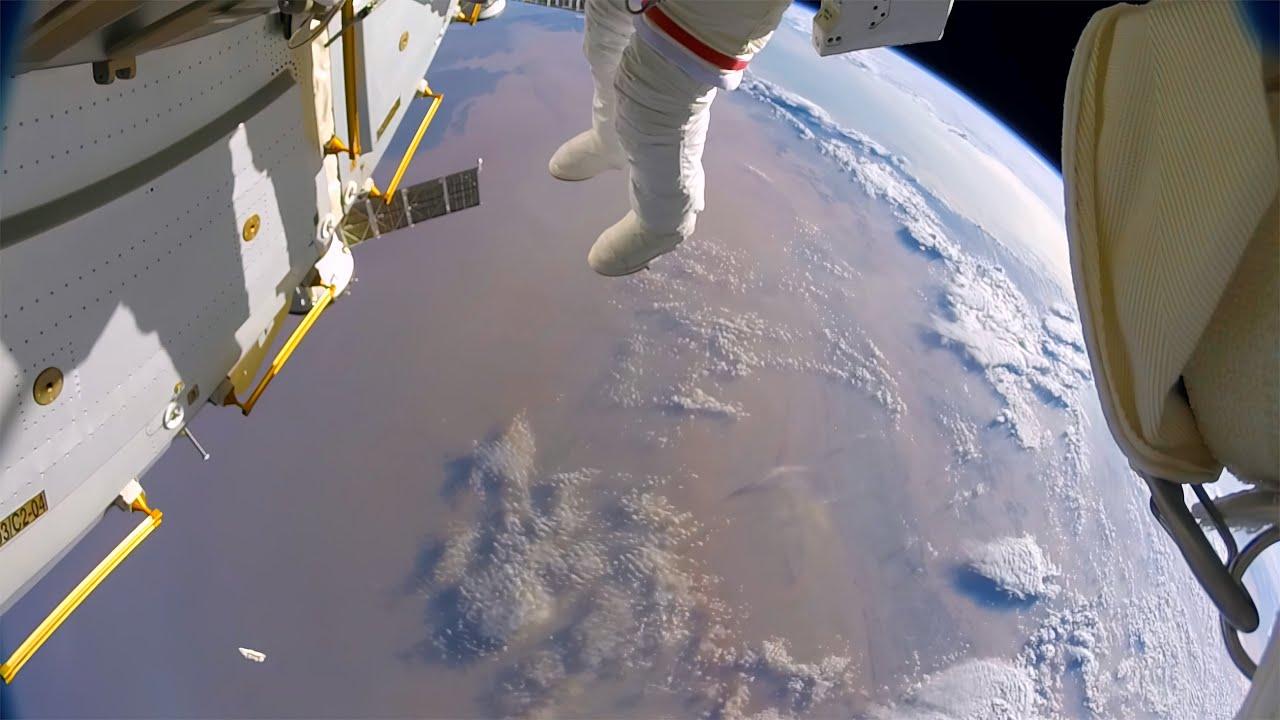 Download Astronautas pierden un escudo en el espacio por accidente (GoPro 8K)