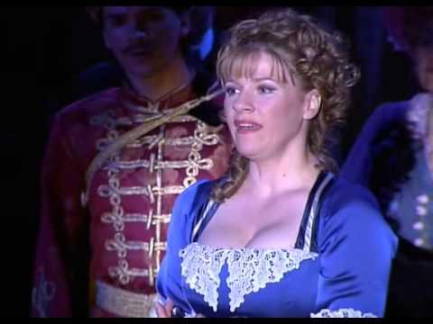 Budapesti Operettszínház - Marica Grófnő letöltés