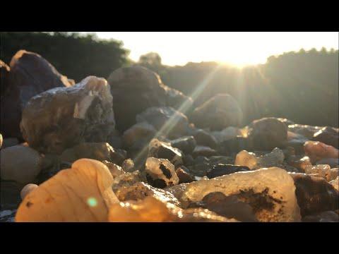 Geode? Thunder Egg? Jasper? • A Closer Look At The Rocks