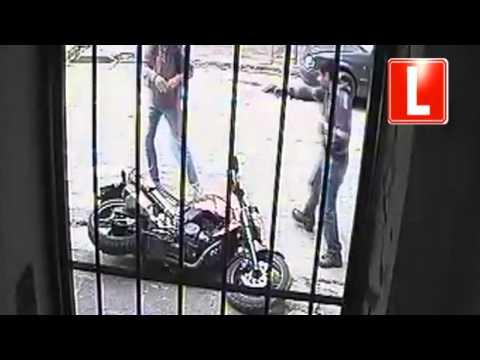 Impactante video muestra un robo en la calle Lavalle: hubo disparos