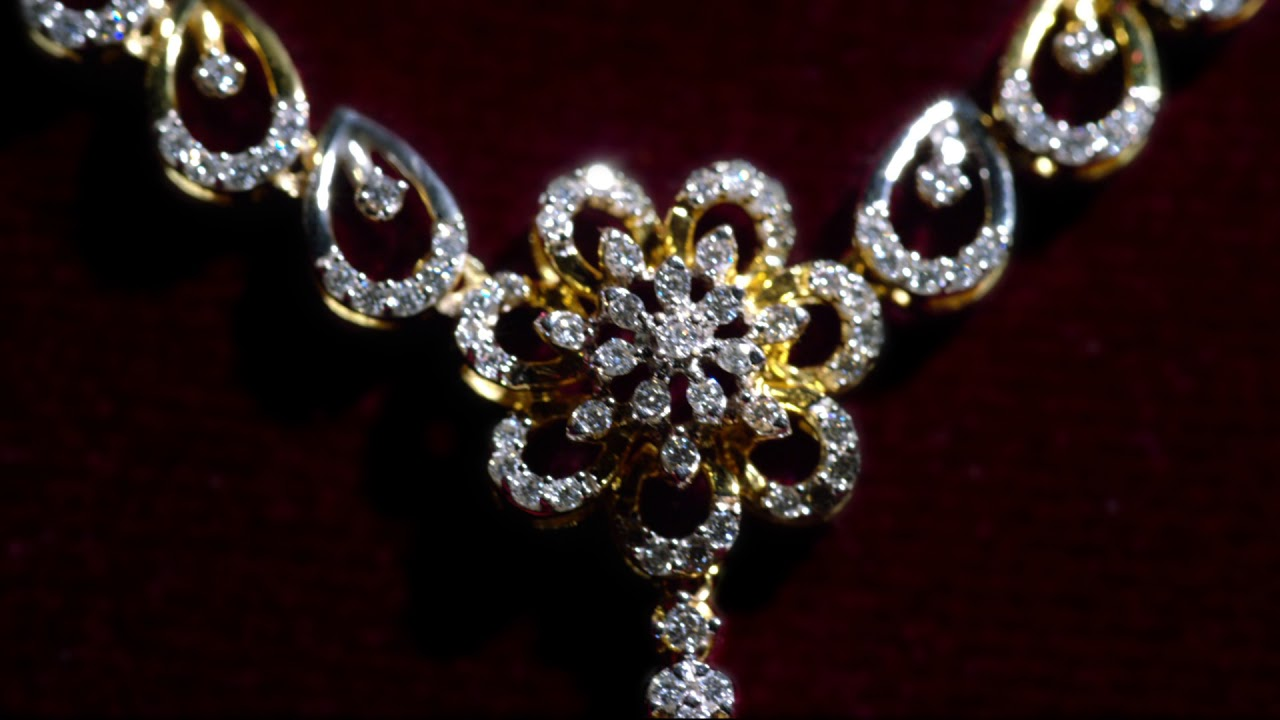 0fbd496e48cc3 GRT Jewellers Presents The New Stunning Diamond Necklace @Just Rs.99,900