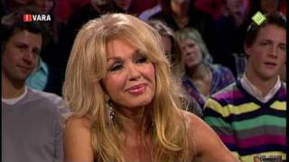 Theo Maassen zonder pardon tegen Patricia Paay HD !!