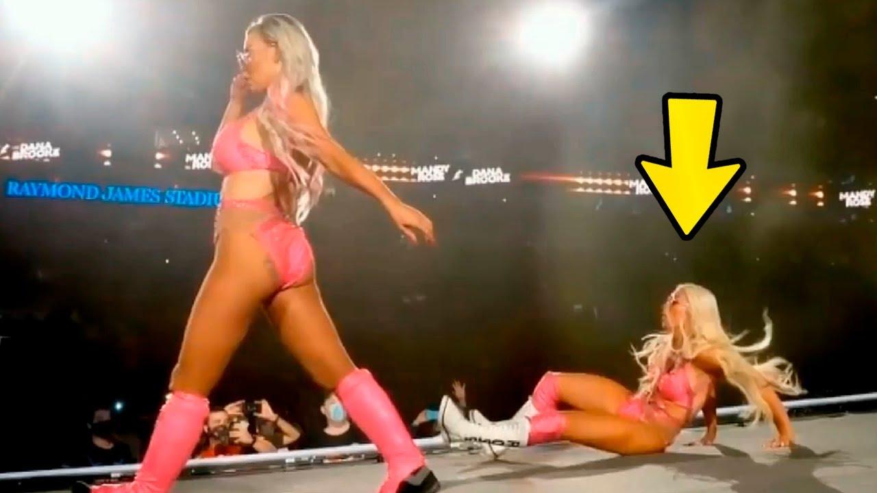 10 MOMENTOS BOCHORNOSOS OCURRIDOS EN WWE