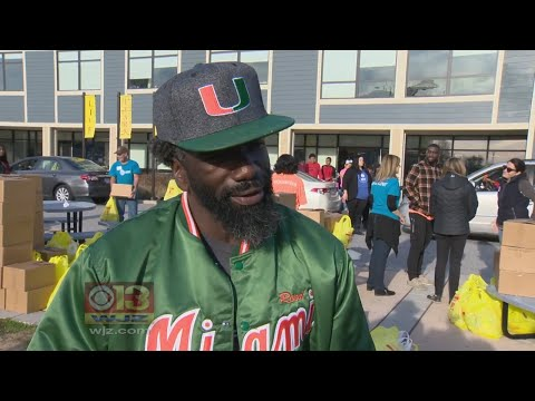 Former Raven Ed Reed Gives 400 Turkeys To Baltimore Boarding School