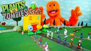 Plants vs Zombies Part 3  Pretend Play with Fuzzy Puppet