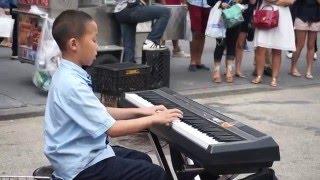 видео талантливый пианист