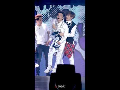 141122 Super Show 6 in Beijing - HELLO (Eunhyuk fo