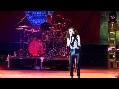 Cher Lloyd- Turn My Swag On [Live]